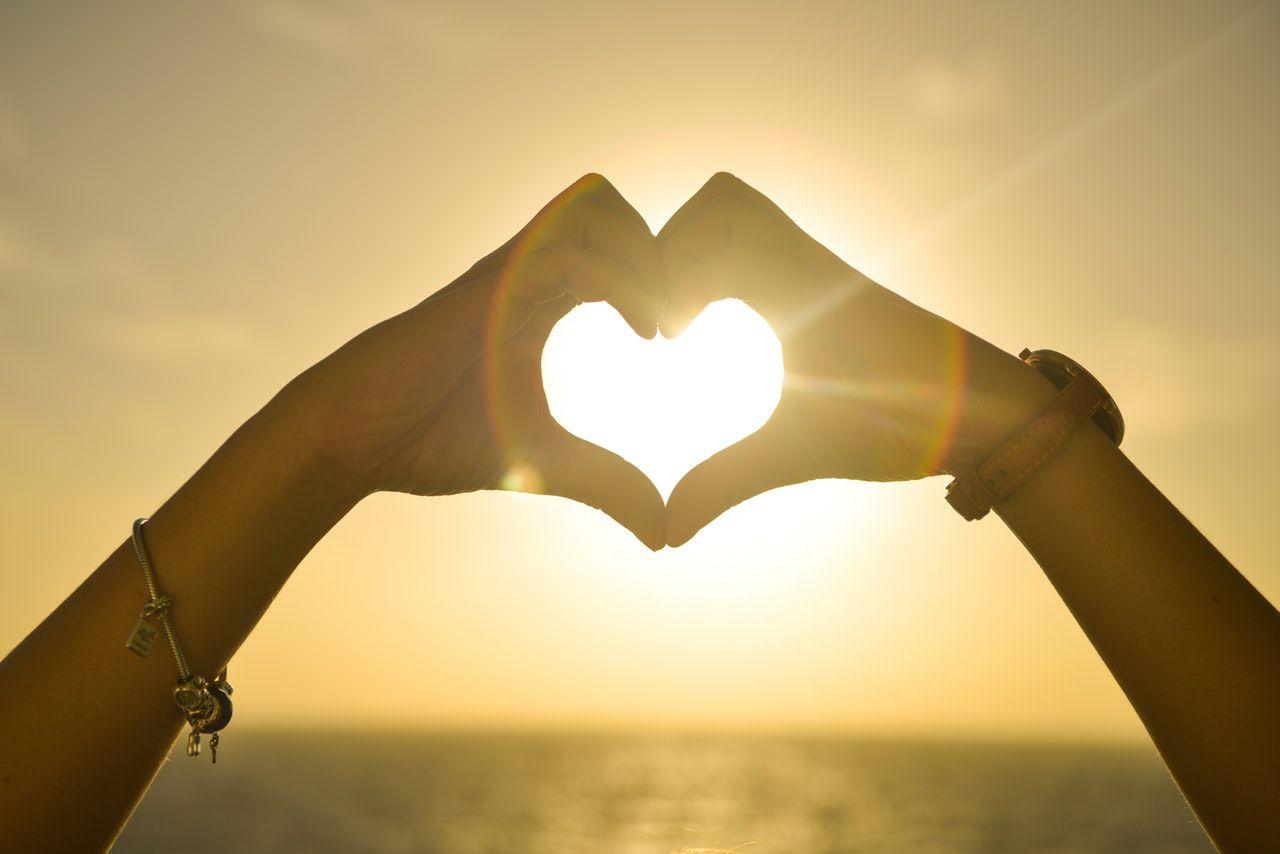 بررسی انواع مختلف عشق و روش هایی برای انتخاب همسر و ازدواج